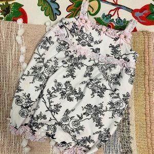 Savannah Baby 6-9 months onesie B&W with bows EUC
